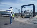 Hebung einer Yacht